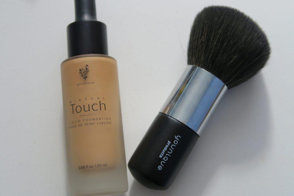 """Fond de teint liquide Mineral Touch """"Satin"""" de Younique"""